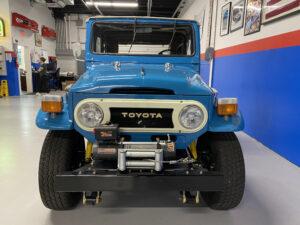 1968 Toyota FJ40 Land Cruiser front