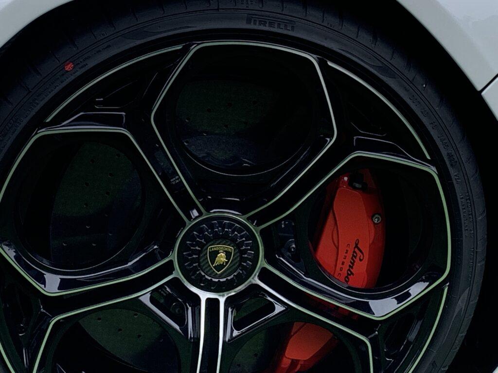 Lamborghini Countach LPI 800-4 Wheel
