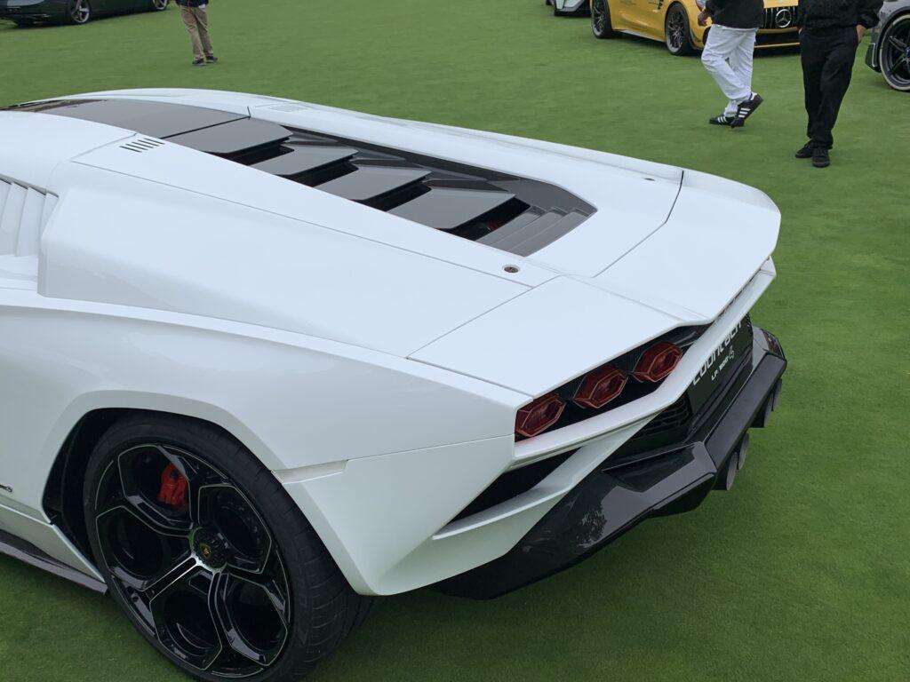 Lamborghini Countach LPI 800-4 rear end