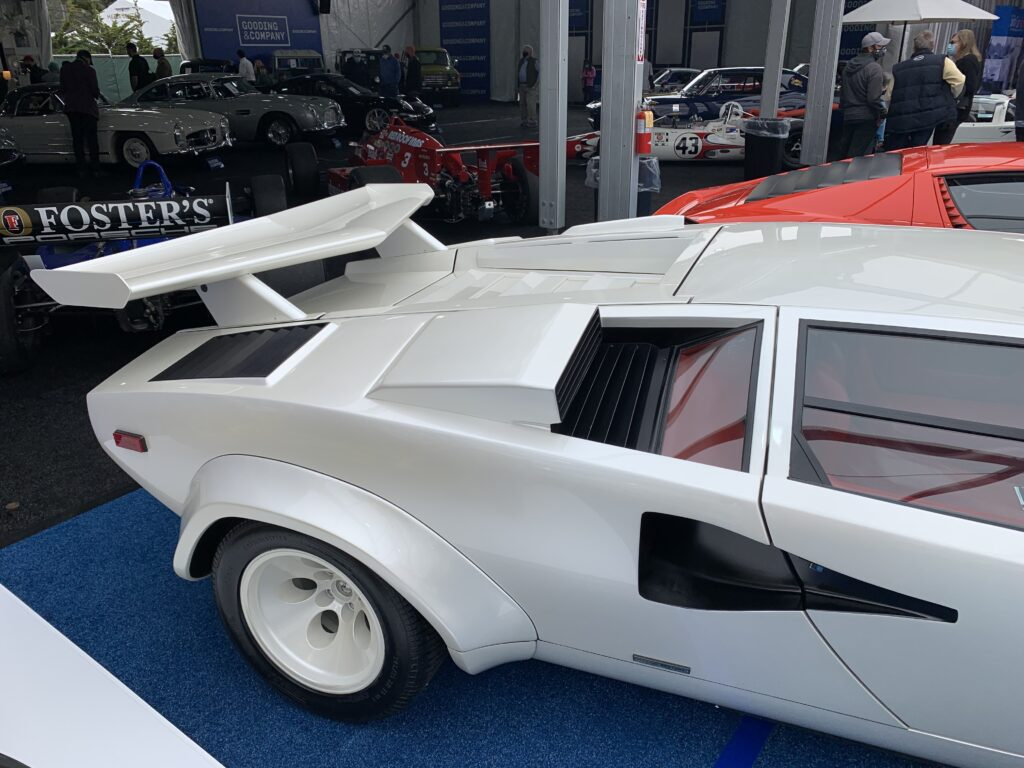 Lots of straight lines on the Countach